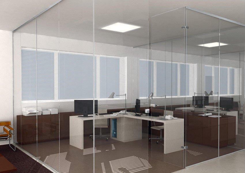 Oficina de paredes de vidrio